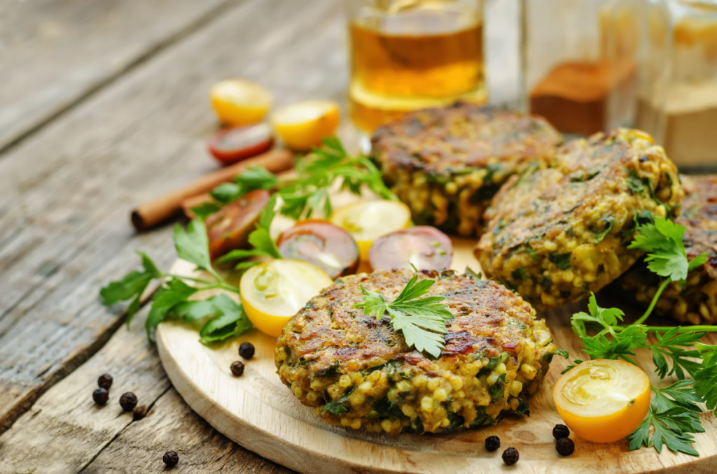 spicy-vegan-curry-burgers-with-millet